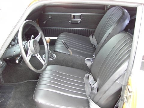Cobra seats fitted into the MGB-GT