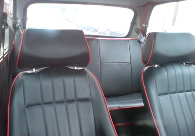 Mamba seats fitted into the classic mini