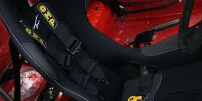 OMP harnesses fitted with Cobra seats