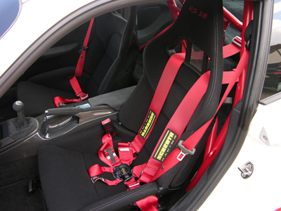 Schroth Porsche racing harness belts - Profi II harnesses from Schroth