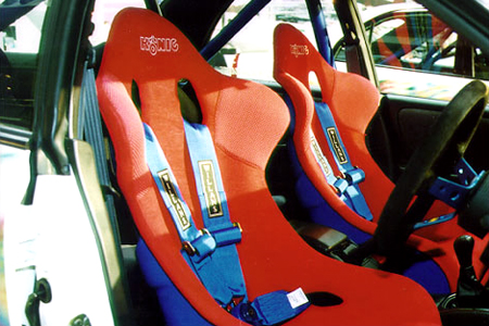 Willans harnesses fitted to Konig racing seats