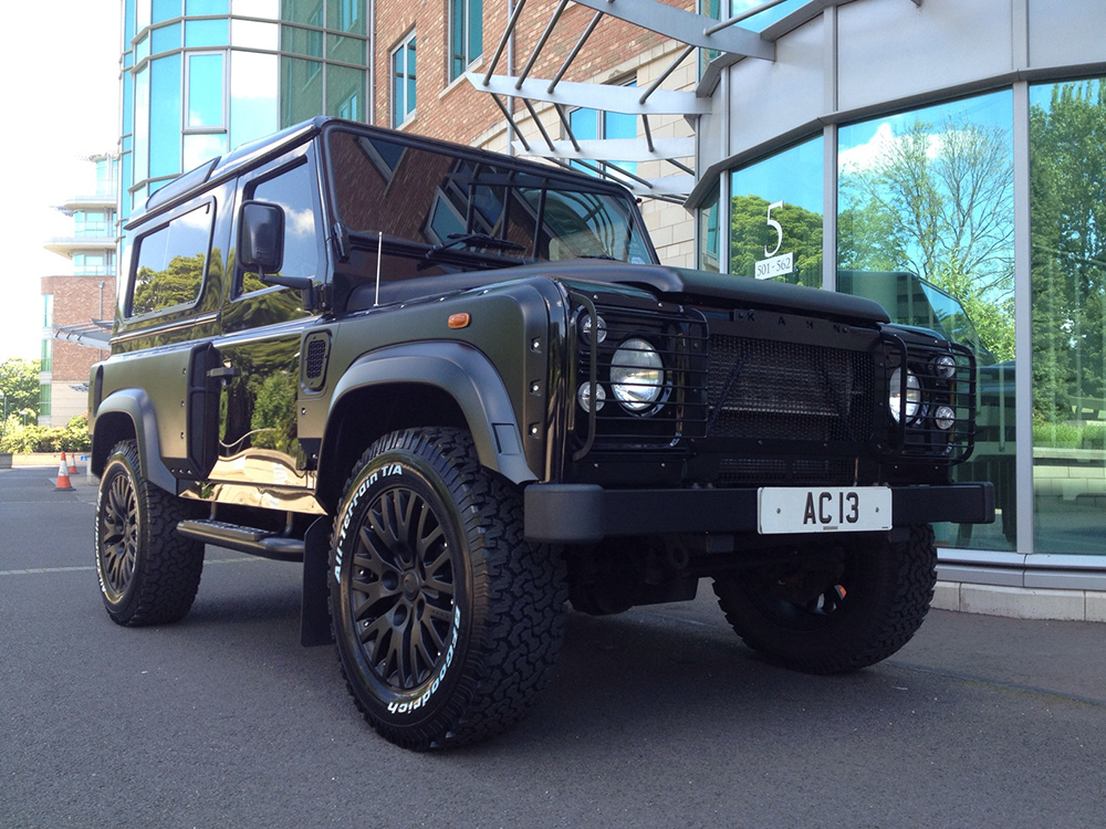 AC13 Land Rover Defender