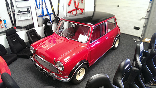 Mr Humphries Classic Mini