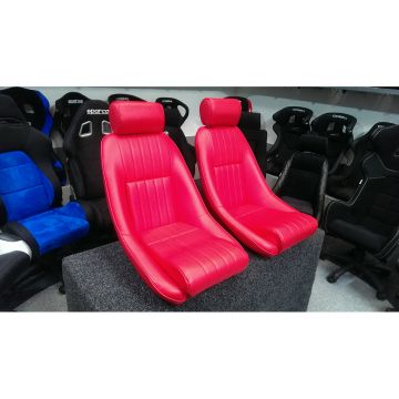 Cobra Classic RS Bucket Seat with vertical stitching